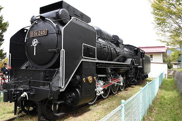 蒸気機関車塗装完成式06