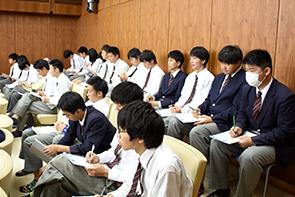 坂高生議会傍聴02
